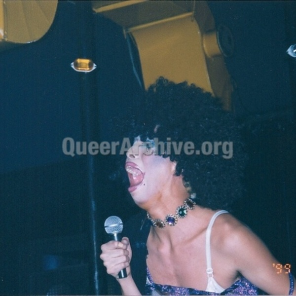 http://queerarchive.org/bbs/files/attach/images/36105/958/096/66d7f1dbb3becab8eeee59ddf4afe92a.jpg