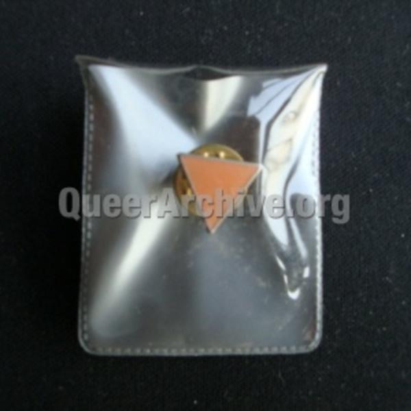 http://queerarchive.org/bbs/files/attach/images/31526/599/032/e4aab95d9047f90ae5ec9ff765b793a8.JPG